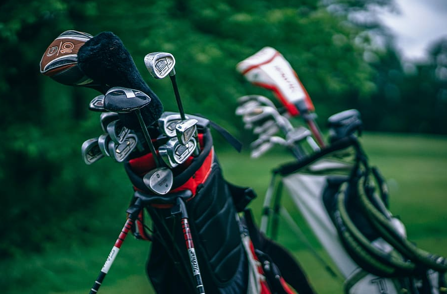 Top 10 Best Golf Bags in 2020 - Buyer's Guide
